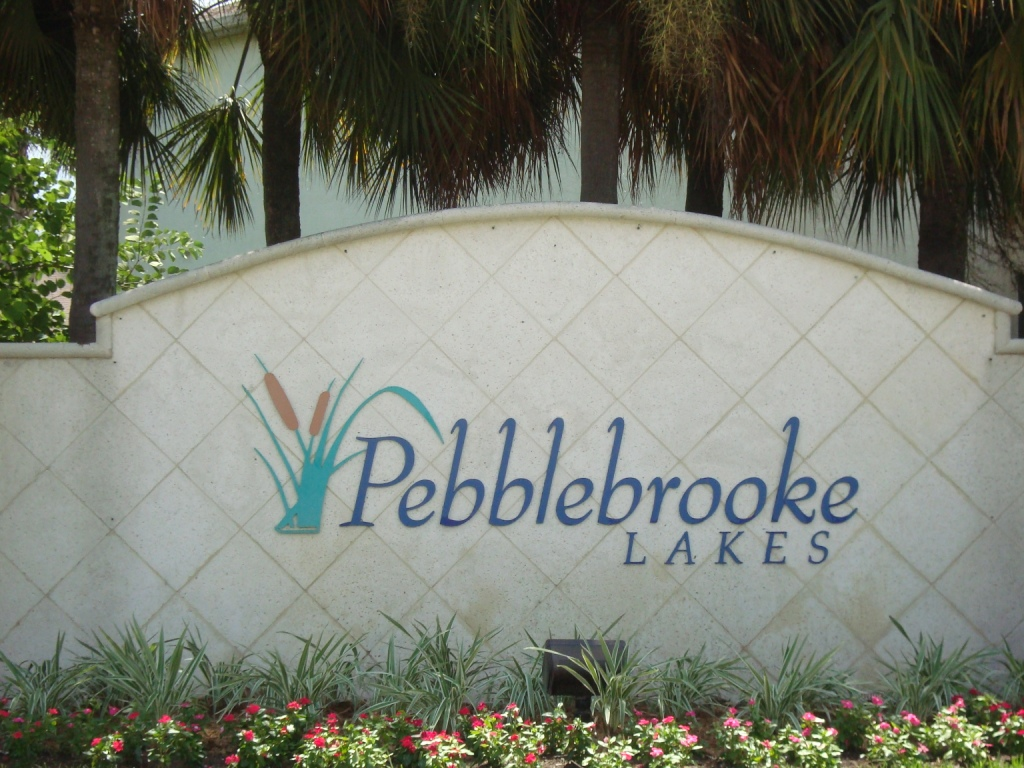 Sign for Pebblebrooke Lakes in Naples, Florida.
