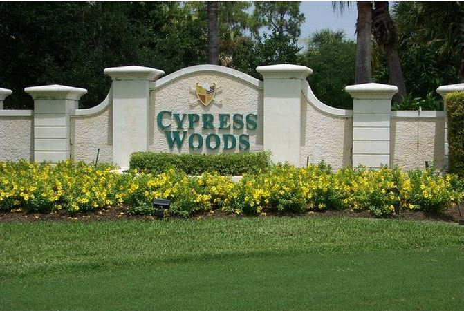 Sign at Cypress Woods in Naples, Florida.