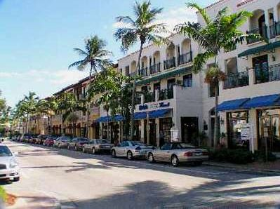 5th  Avenue in Naples, Florida.